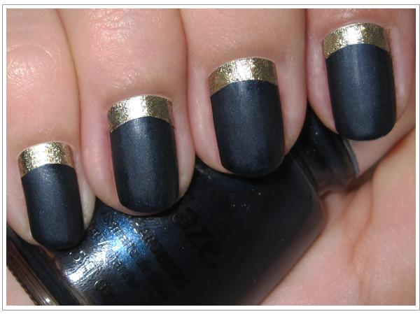 unghii albastru metal