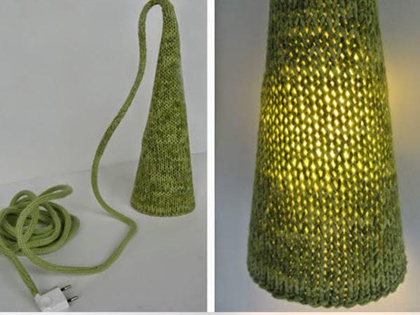 Ręcznie robiona lampa z wełny DIY