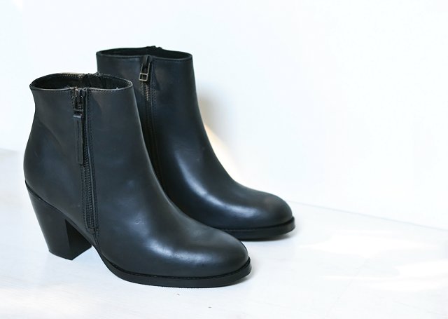 New in, sacha pistol boots, enkellaarsjes,  black ankle boots, fall 2015, acne pistol boots, knock off, similar, inspired