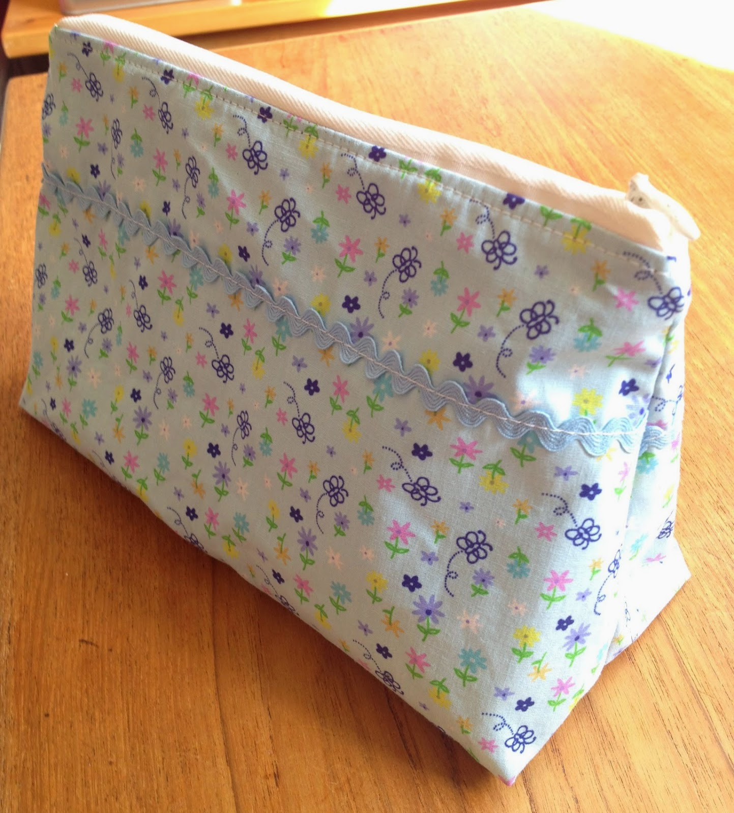 Easy Sew Cosmetic Bag