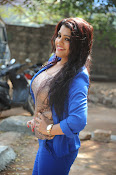 Tashu Kaushik Latest Glamorous Photos-thumbnail-3