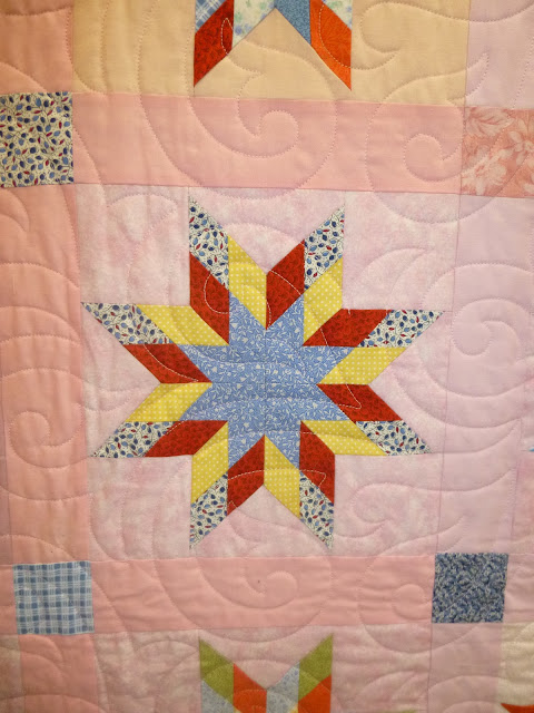 Star quilt exhibited at Malvern Quilt Show 2013 (title and maker unknown)