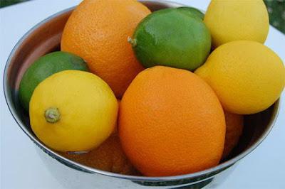 Cách rửa hoa quả loại bỏ hóa chất