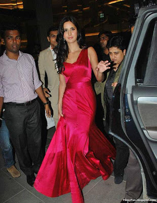 Katrina_kaif_totally_hot_FilmyFun.blogspot.com