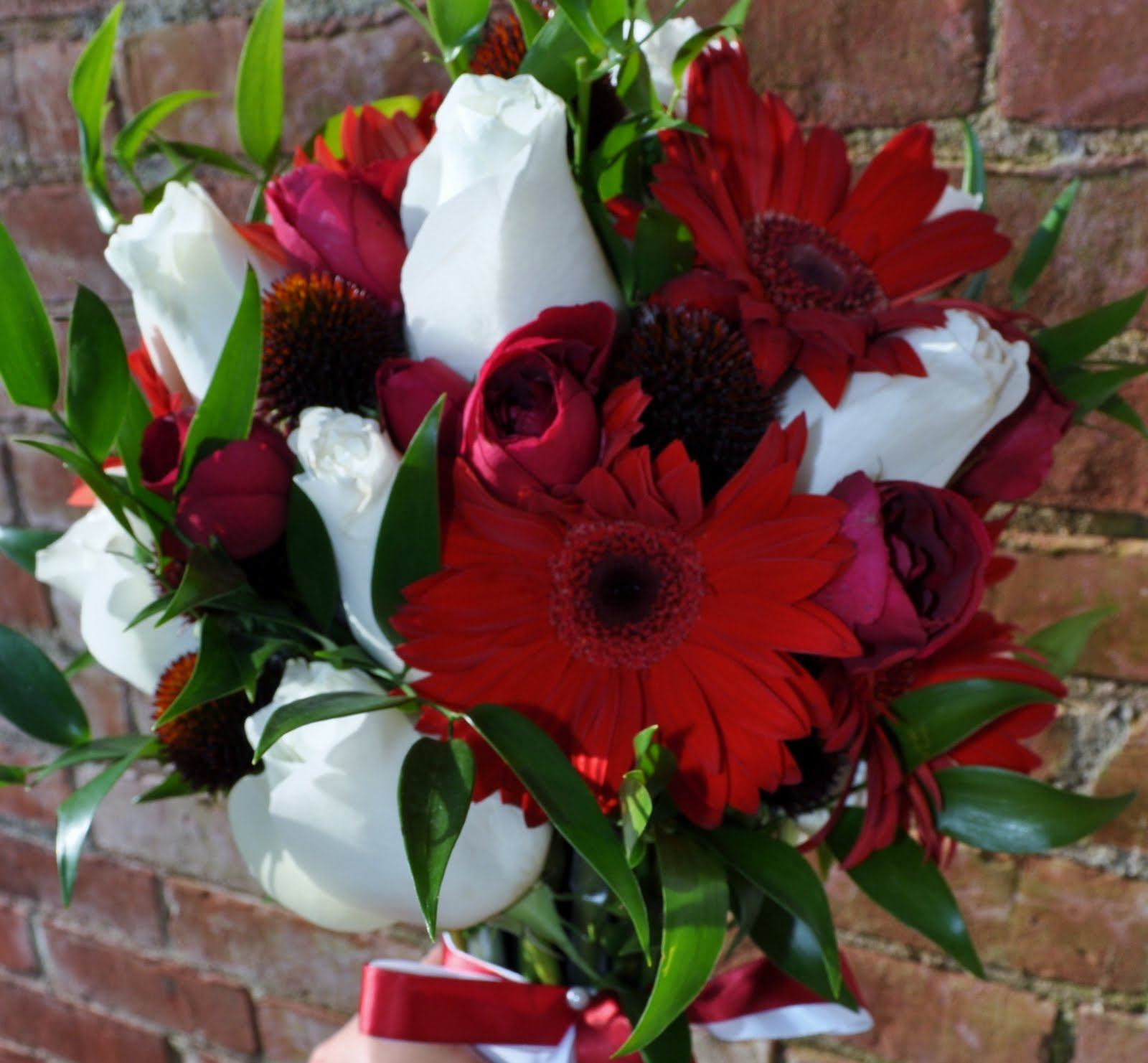 Cranberry Red White A Classic Bouquet Columbus Oh Wedding