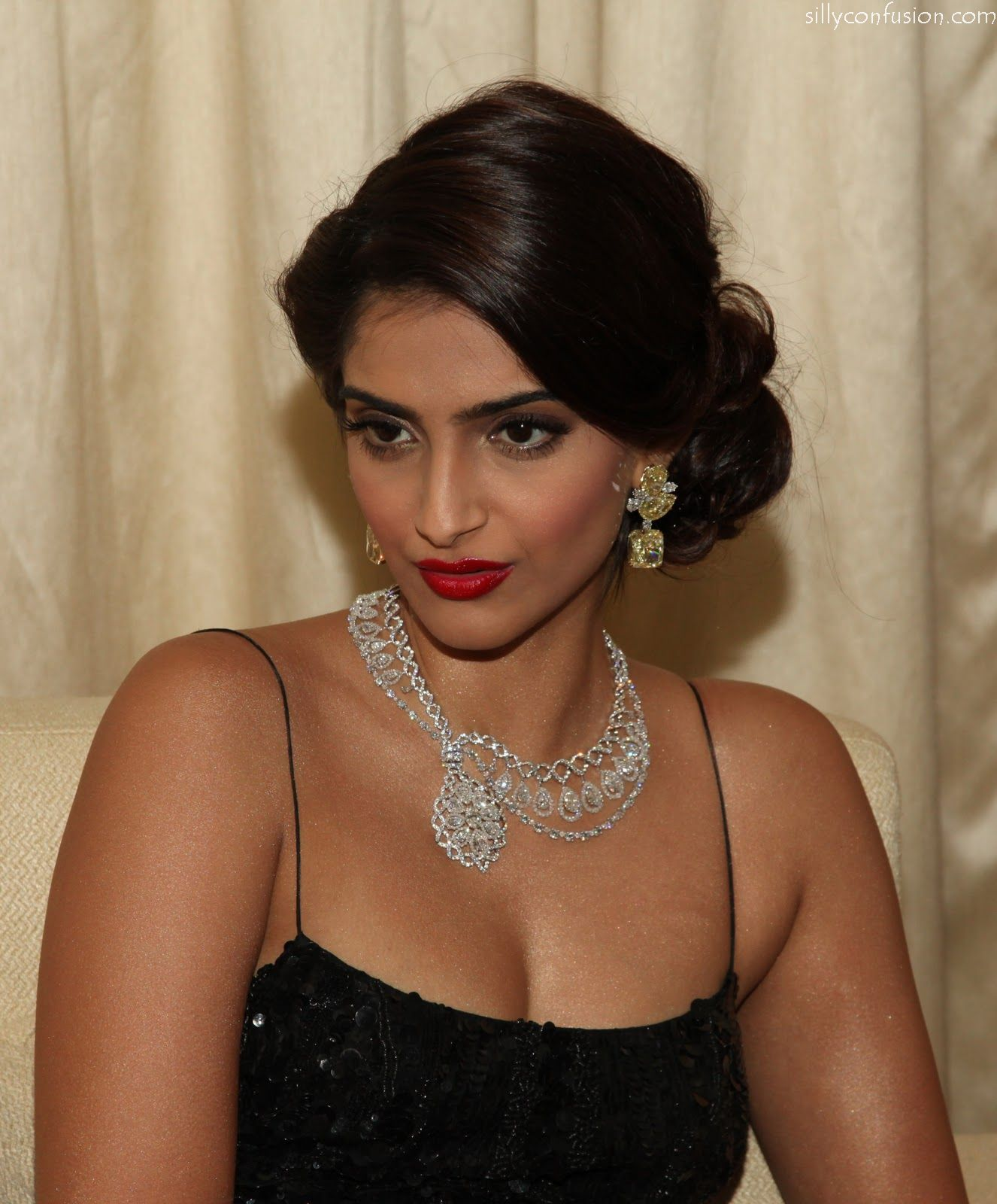Sonam Kapoor The Actress Accessorised Her Couture Gown With Traditional Gold Jhumkas
