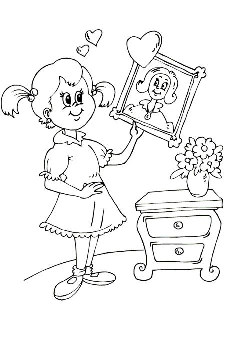 صورة بنت تحمل صورة أمها وتحبها لتلوين الصغار