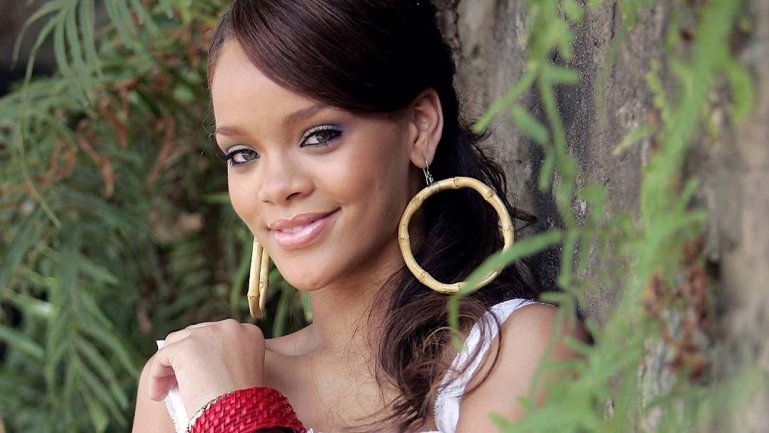 Rihanna HD Wallpaper 6
