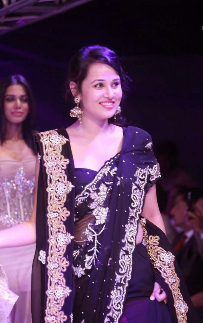 Actress Nisha Kothari Latest Cute Hot Spicy Photos Gallery At Kingfisher Ultra Hyderabad International Fashion Week