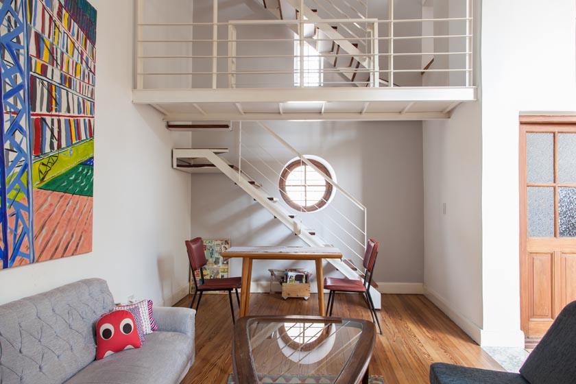 Art   Mañas » Una casa de dos alturas 13f26f553b31