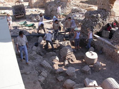 colonia_romana_clunia_visita_burgos_excavacion_teatro