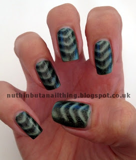 Barry M Magnetic Green Sparkle