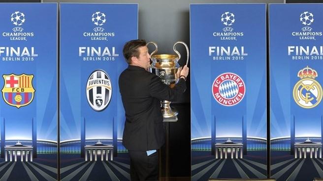 Ceremonia de sorteo de la UEFA Champions League 2015. Los enfrentamientos serán: Bayern Munich vs. Barcelona y Real Madrid vs. Juventus | Ximinia