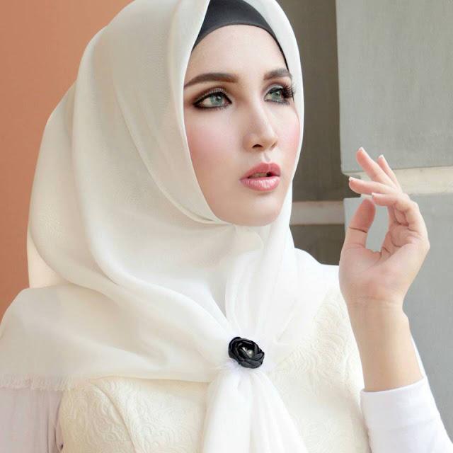 Maquillage femme voilée