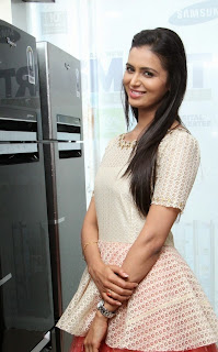 Actress Meenakshi Dixit Latest Pictures at Yes Mart Launch  28.jpg