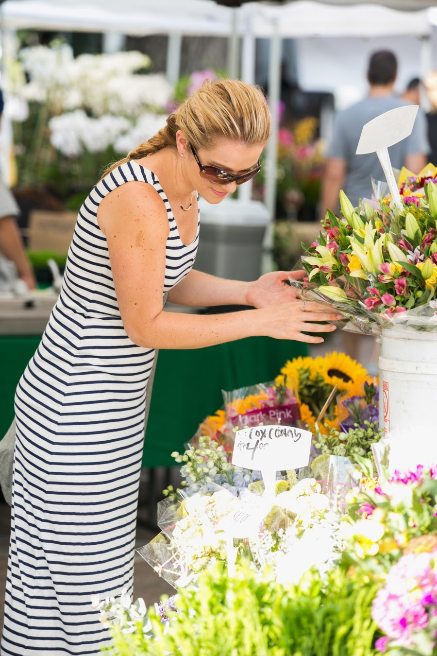 Striped Maxi and Sunflowers at Calabasas Farmer's Market | Luci's Morsels