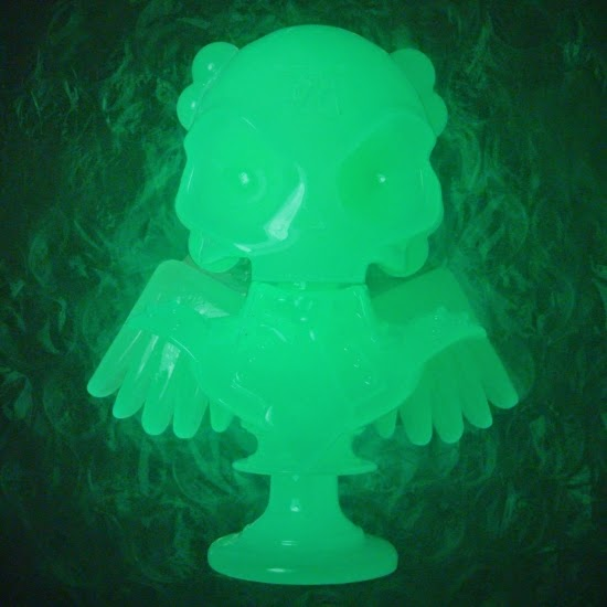 """Shiny Glow in the Dark"" Skullhead 6"" Resin Bust by Huck Gee"