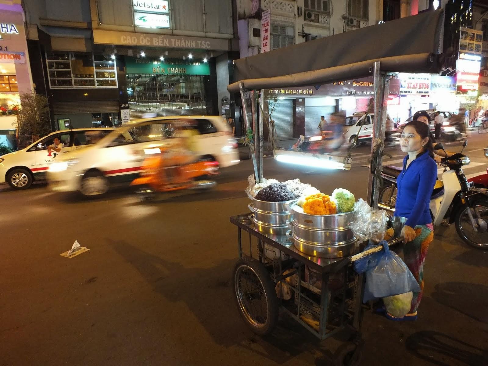 Uliczna sprzedawczyni kleistego ryżu