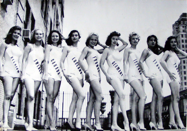 vintage swimsuit pageant photo