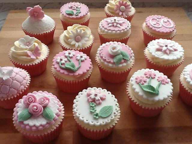 cupcakes flores y perlas