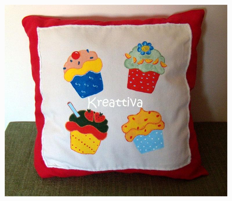 Come realizzare un cuscino dipinto su stoffa kreattivablog for Rendere il mio progetto di casa online