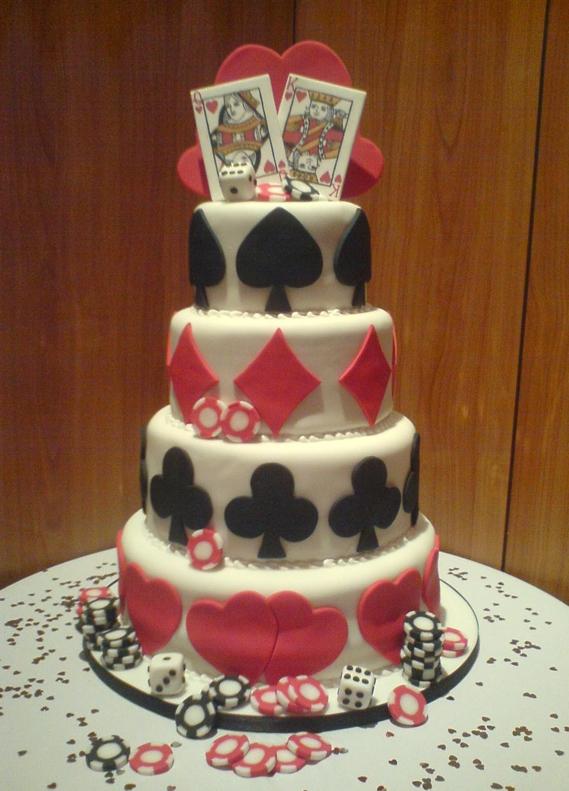 vegas themed wedding cake ideas and designs. Black Bedroom Furniture Sets. Home Design Ideas