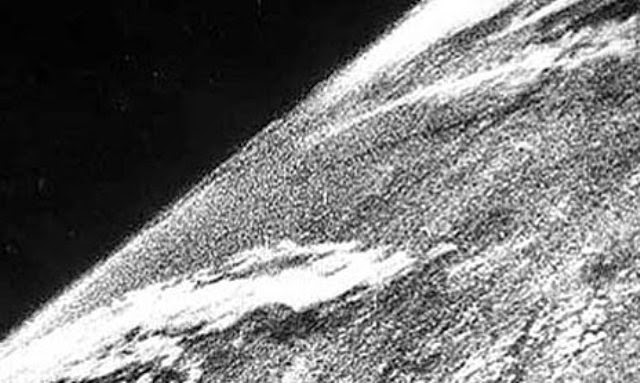 Ultimate Collection Of Rare Historical Photos. A Big Piece Of History (200 Pictures) - First photo in space