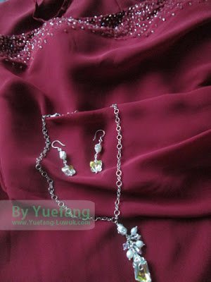 Jewelry_set_match_maroon_evening_dress