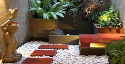 Tips menata taman di lahan sempit 2017 rumah minimalis 2017 for Garden ideas for very small spaces
