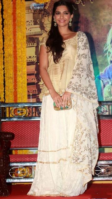 Sonam Kapoor Latest Hot Pictures