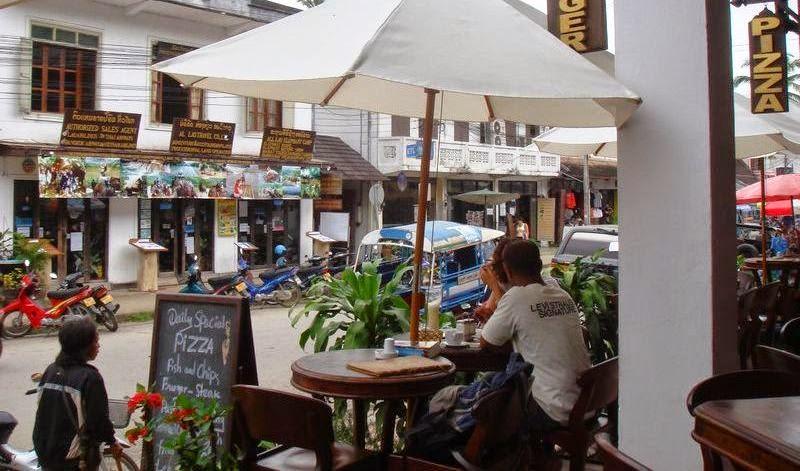Nhà nghỉ và khách sạn ở Luông Pha Băng