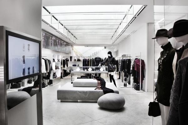 Leamusumeci le prime 6 prestigiose boutique che hanno for Luisa di via roma
