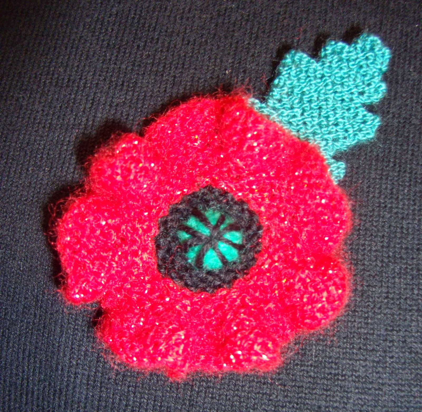 Knitting Pattern Red Poppies : Paulineknit ~ A life of hand knitting : More knitted poppies