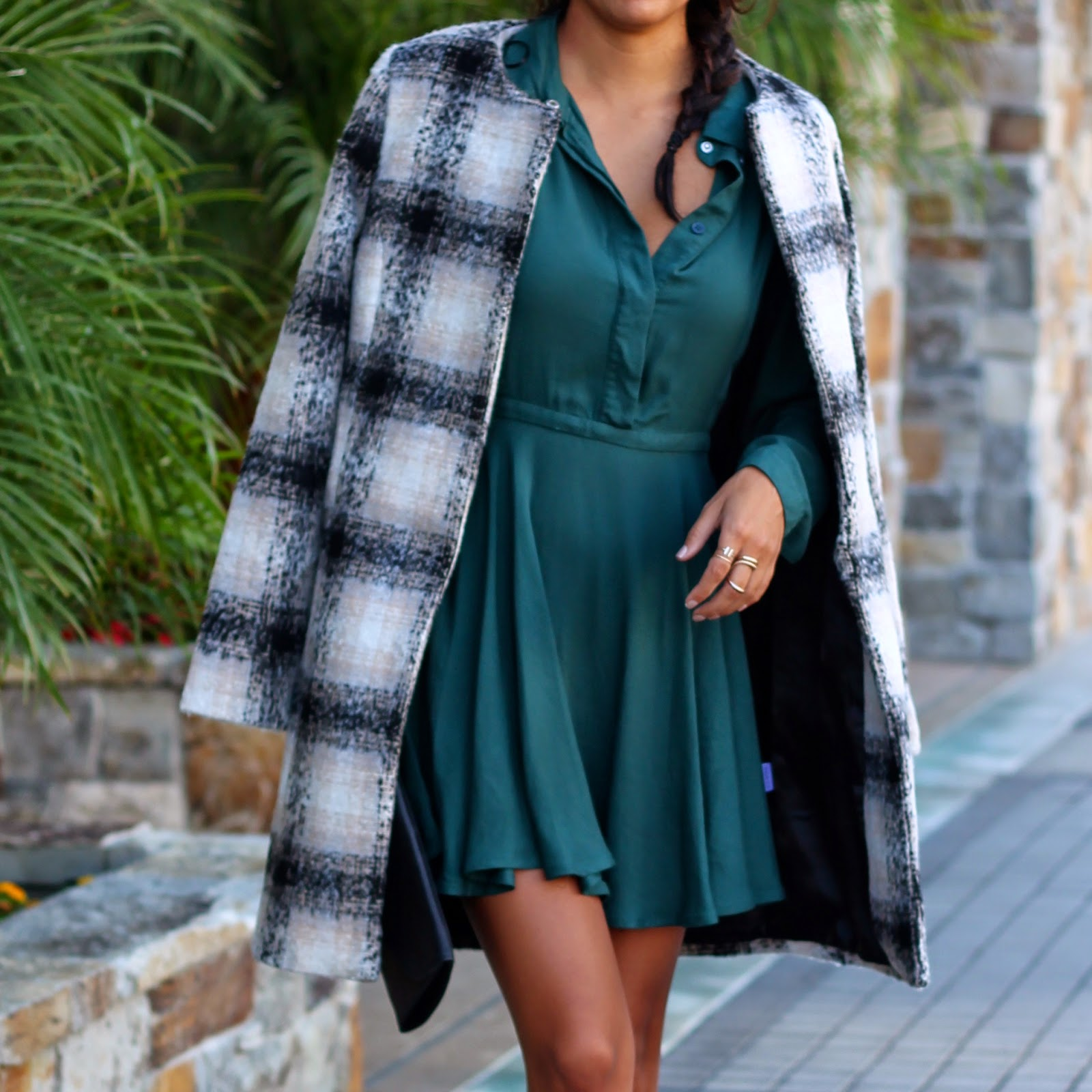 fall date night outfit, how to wear plaid coat, black booties, sole society, layering for fall, lulus fashion