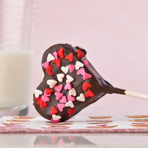 Gluten Free Brownie Valentine Cake Pops from Gluten Free Canteen