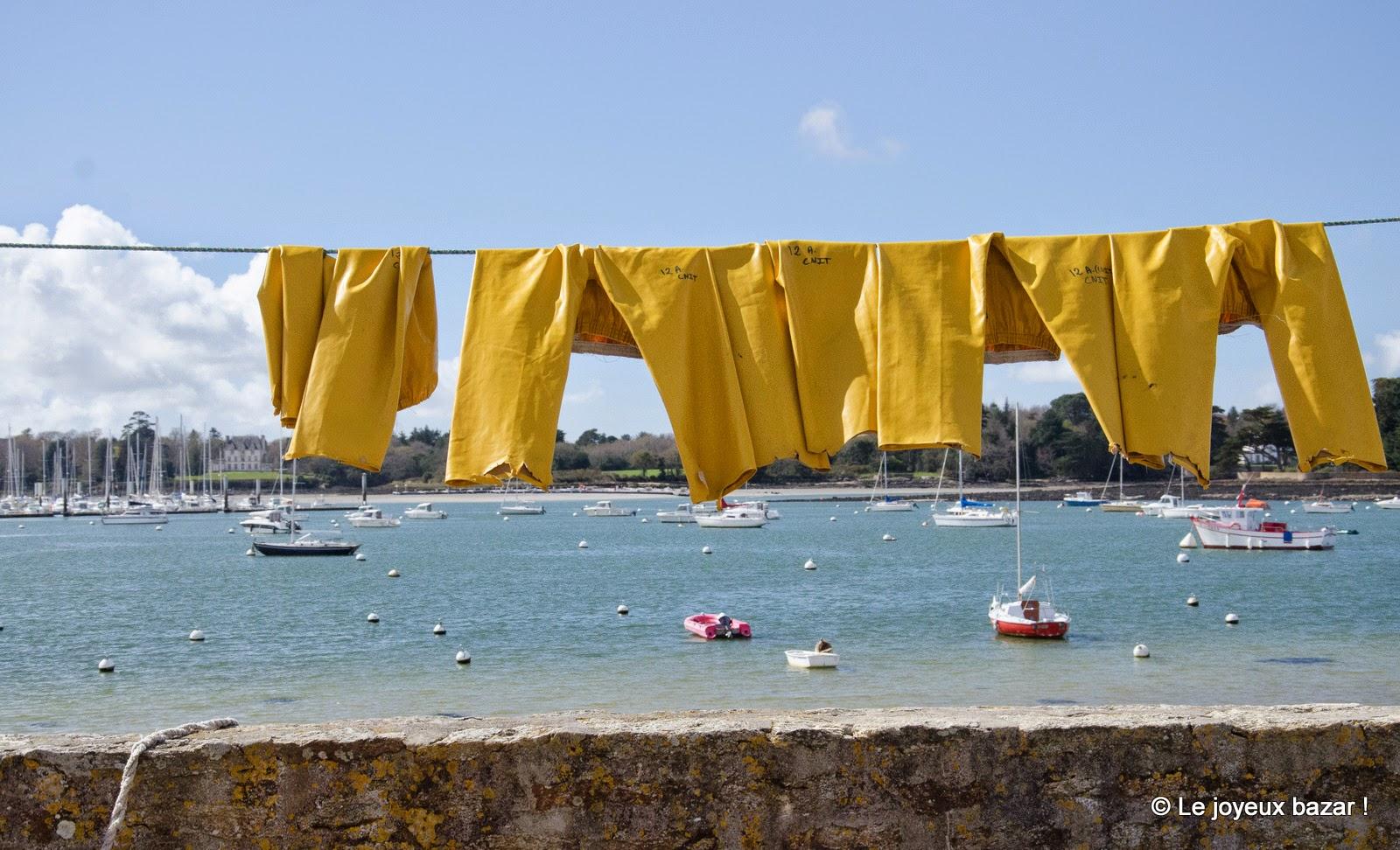 Bretagne - Ile Tudy et linge qui sèche