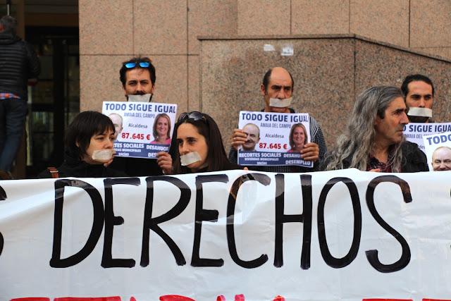 Protesta de Berri-Otxoak ante el palacio de justicia