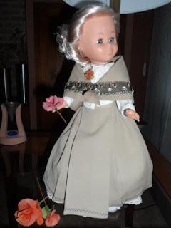 Nancy se viste para el Pilar