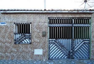 Vende-se uma Casa no Bairro Morada Nova em Várzea da Roça