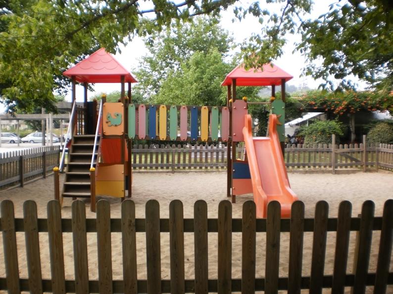 Parque Infantil da Praia Fluvial de Burgães