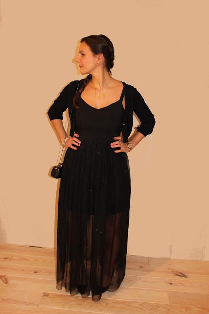 robe tulle Naf Naf, clutch, escarpins vernis noirs