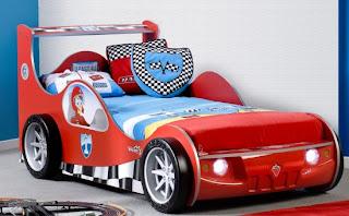 yatak arabalar 550x341 Arabalı yatak modelleri