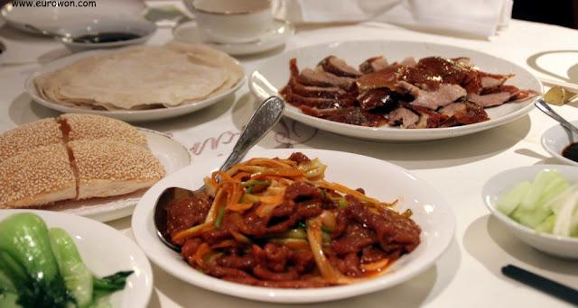 Pato pekinés y otros platos chinos