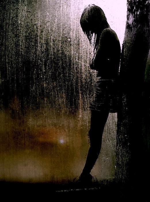 Foto e Ditës - Faqe 9 Foto+dashurie+vajze+e+vetmuar