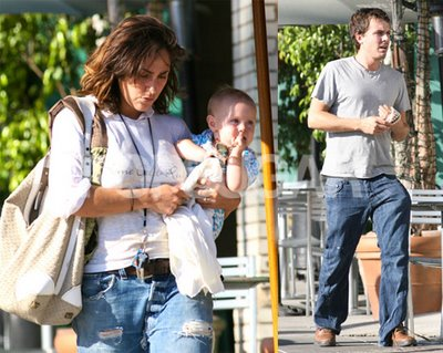 Casey Affleck Wife Summer Phoenix Images 2011 - wallpapers ... Ben Affleck Girlfriend