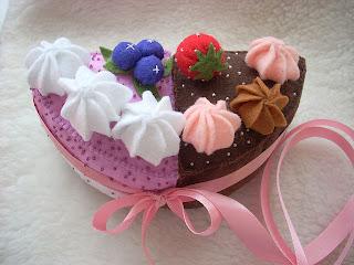 пирожные из фельта