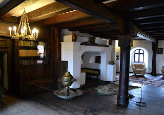 Pictures from inside the Castle Bran (Brasov, Transylvania), photos and music library Salon