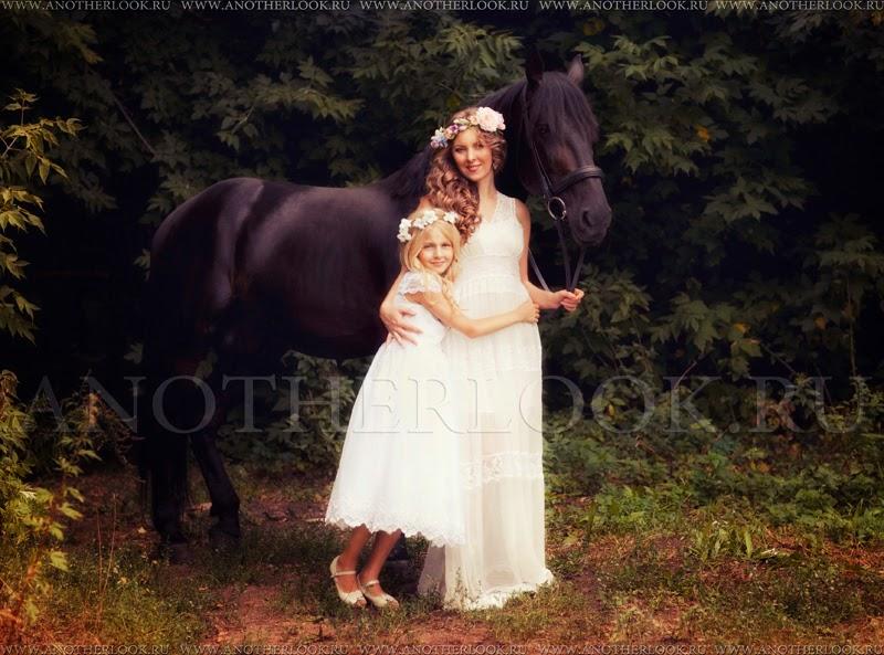 семейная фотосессия с лошадью
