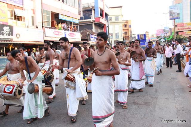 Udupi Paryaya 2016-18 Pura Pravesha Pejawara Swami 25