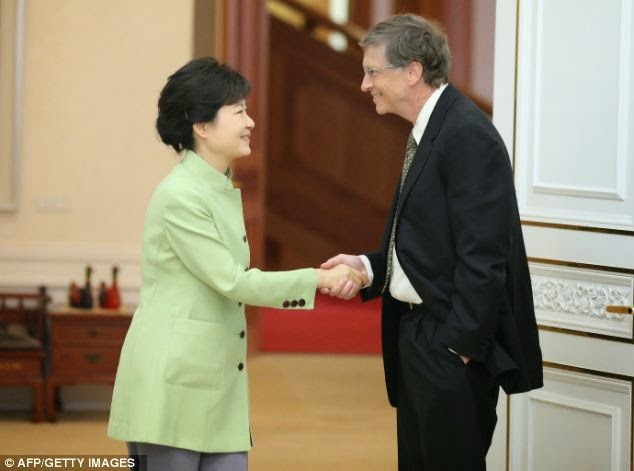Etiquipedia the etiquette minefield of bowing hand gestures and cultural difference or an act of disrespect korean newspapers attacked the brilliant but obviously clueless billionaire bill gates for his unaware and m4hsunfo
